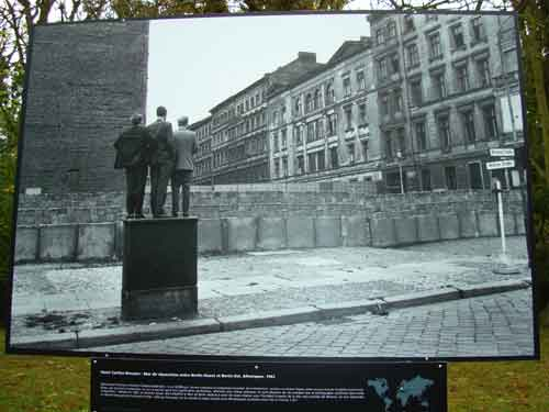 cartier-bresson-mur-berlin